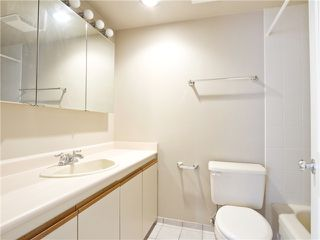 Photo 10: # 211 2040 CORNWALL AV in Vancouver: Kitsilano Condo for sale (Vancouver West)  : MLS®# V1018769