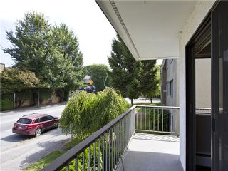 Photo 12: # 211 2040 CORNWALL AV in Vancouver: Kitsilano Condo for sale (Vancouver West)  : MLS®# V1018769