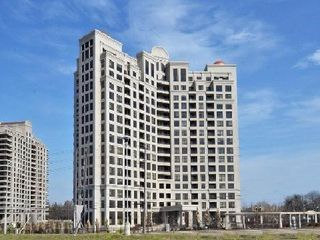 Photo 1: 9225 Jane Street Bellaria Condo For Sale Marie Commisso Vaughan Real Estate