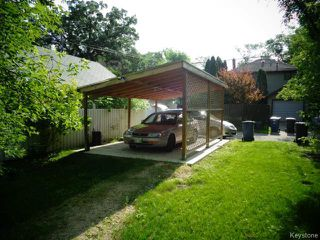 Photo 3: 270 Oak Street in WINNIPEG: River Heights / Tuxedo / Linden Woods Residential for sale (South Winnipeg)  : MLS®# 1416999