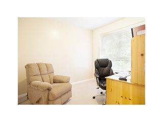 "Photo 4: 308 1111 LYNN VALLEY Road in North Vancouver: Lynn Valley Condo for sale in ""DAKOTA"" : MLS®# V1079863"