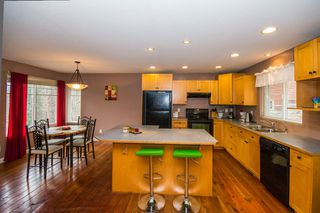 Photo 3: 2384 Mount Tuam Crescent in Blind Bay: Cedar Heights House for sale : MLS®# 10095899