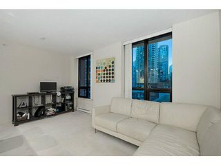 Photo 4: # 609 909 MAINLAND ST in Vancouver: Yaletown Condo for sale (Vancouver West)  : MLS®# V1136392