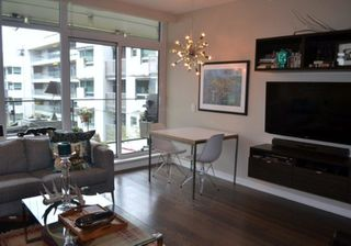 Photo 3: 1661 Ontario Street in Vancouver: False Creek Condo for rent (Vancouver West)