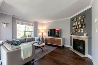 Photo 2: 1 920 TOBRUCK AVENUE in North Vancouver: Hamilton Townhouse for sale : MLS®# R2104881