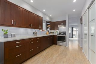 """Photo 3: 4 10111 GILBERT Road in Richmond: Woodwards Townhouse for sale in """"SUNRISE VILLAGE"""" : MLS®# R2388775"""