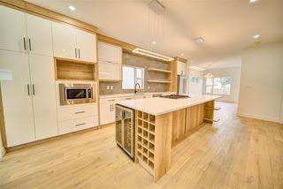 Photo 6: 9278 77 Street in Edmonton: Zone 18 House for sale : MLS®# E4173172