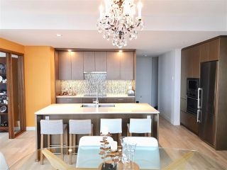 "Photo 5: 4109 13495 CENTRAL Avenue in Surrey: Whalley Condo for sale in ""3 Civic Plaza"" (North Surrey)  : MLS®# R2438260"