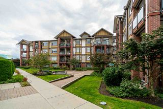 Photo 1: 132 5660 201A Street in Langley: Langley City Condo for sale : MLS®# R2502123