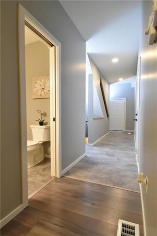 Photo 2: 3 548 Dufferin Avenue in Selkirk: R14 Residential for sale : MLS®# 202100330