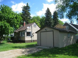 Photo 4: 221 Kirby Avenue West in DAUPHIN: Manitoba Other Residential for sale : MLS®# 1212758