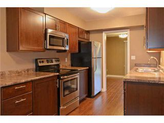 Photo 3: 2 2957 oxford Street in port coquitlam: Townhouse for sale (Port Coquitlam)  : MLS®# V1036350
