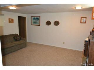 Photo 12: 1624 Sommerfeld Avenue in Saskatoon: Holliston Single Family Dwelling for sale (Saskatoon Area 02)  : MLS®# 504611