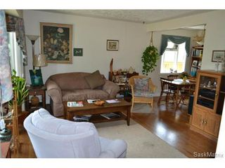Photo 14: 1624 Sommerfeld Avenue in Saskatoon: Holliston Single Family Dwelling for sale (Saskatoon Area 02)  : MLS®# 504611