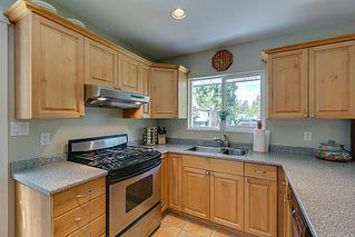 Photo 9: 5 BEDROOM UPDATED HOME ON 1/4 ACRE LOT IN PRIME PORT COQUITLAM LOCATION