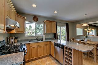 Photo 8: 5 BEDROOM UPDATED HOME ON 1/4 ACRE LOT IN PRIME PORT COQUITLAM LOCATION