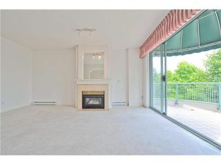 """Photo 2: 412 1785 MARTIN Drive in Surrey: Sunnyside Park Surrey Condo for sale in """"SOUTHWYND"""" (South Surrey White Rock)  : MLS®# F1419891"""