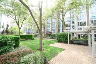 Photo 15: Vancouver West in Yaletown: Condo for sale : MLS®# R2072379