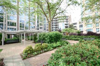 Photo 14: Vancouver West in Yaletown: Condo for sale : MLS®# R2072379
