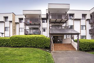 Photo 1: 304 - 12170 222 St in Maple Ridge: West Central Condo for sale : MLS®# R2050674