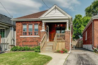 Photo 1: 82 Barons Avenue in Hamilton: House for sale : MLS®# H4029429