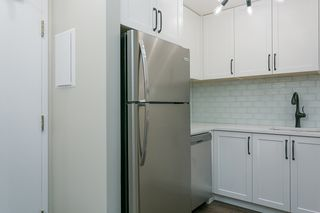 """Photo 3: 205 1345 COMOX Street in Vancouver: West End VW Condo for sale in """"Tiffany Court"""" (Vancouver West)  : MLS®# R2394852"""
