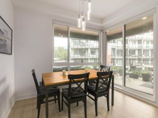 Photo 9: 408 733 W 3RD STREET in North Vancouver: Harbourside Condo for sale : MLS®# R2424919
