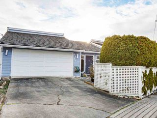 Photo 3: 1430 VIEW Crescent in Delta: Beach Grove House for sale (Tsawwassen)  : MLS®# R2432811