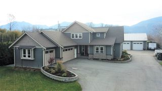 Photo 2: 44224 SOUTH SUMAS Road in Chilliwack: Sardis West Vedder Rd House for sale (Sardis)  : MLS®# R2443620