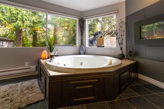 """Photo 8: 2726 124B Street in Surrey: Crescent Bch Ocean Pk. House for sale in """"Ocean Park"""" (South Surrey White Rock)  : MLS®# R2444057"""