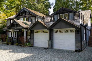"""Photo 2: 2726 124B Street in Surrey: Crescent Bch Ocean Pk. House for sale in """"Ocean Park"""" (South Surrey White Rock)  : MLS®# R2444057"""