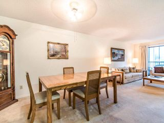 "Photo 6: 204 32910 AMICUS Place in Abbotsford: Central Abbotsford Condo for sale in ""ROYAL OAKS"" : MLS®# R2474373"