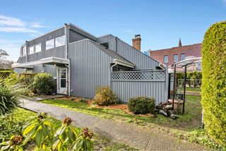 Photo 30: 2 1315 Gladstone Ave in : Vi Fernwood Row/Townhouse for sale (Victoria)  : MLS®# 861722