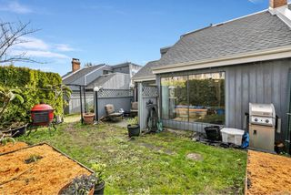 Photo 3: 2 1315 Gladstone Ave in : Vi Fernwood Row/Townhouse for sale (Victoria)  : MLS®# 861722