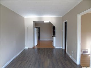 Photo 5: 638 M Avenue South in Saskatoon: King George Residential for sale : MLS®# SK837464