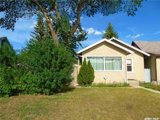 Photo 2: 638 M Avenue South in Saskatoon: King George Residential for sale : MLS®# SK837464