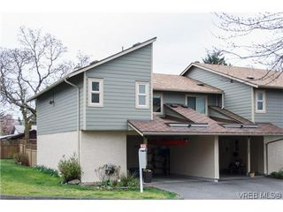 Photo 1: 1124 Kiwi Road in VICTORIA: La Langford Lake Townhouse for sale (Langford)  : MLS®# 321514