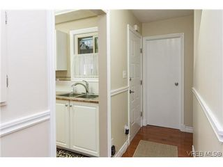 Photo 2: 1124 Kiwi Road in VICTORIA: La Langford Lake Townhouse for sale (Langford)  : MLS®# 321514