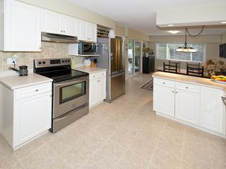 Photo 4: 1059 EDEN CR in Tsawwassen: Tsawwassen East House for sale : MLS®# V1046124