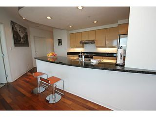 Photo 8: PH3901 1009 Expo Boulevard in Vancouver: Yaletown Condo for sale (Vancouver West)  : MLS®# V1118126