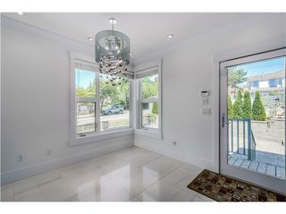 Photo 11: 4505 NEVILLE ST in Burnaby: South Slope House for sale (Burnaby South)  : MLS®# V1131163