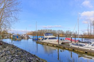 Photo 17: 105 4733 W RIVER ROAD in Delta: Ladner Elementary Condo for sale (Ladner)  : MLS®# R2046869