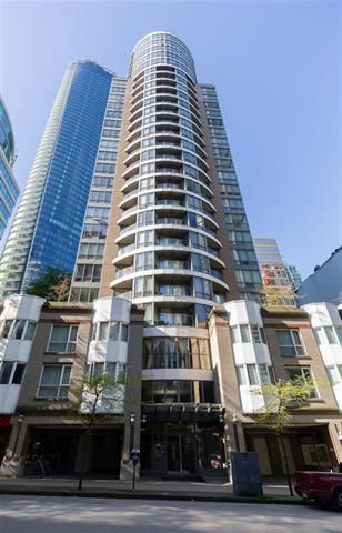 Photo 2: Vancouver West in Coal Harbour: Condo for sale : MLS®# R2057177