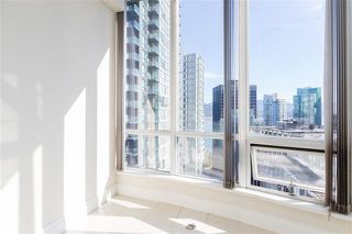 Photo 8: Vancouver West in Coal Harbour: Condo for sale : MLS®# R2057177