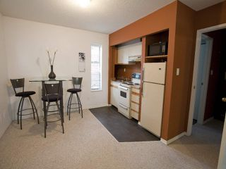 Photo 10: 247 W 17TH STREET in North Vancouver: Central Lonsdale Townhouse for sale : MLS®# R2153423