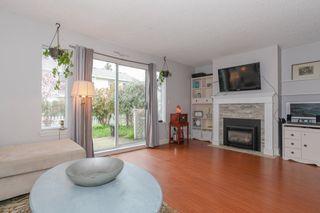 Photo 3: 103 20675 118TH AVENUE in Maple Ridge: Southwest Maple Ridge Townhouse for sale : MLS®# R2159410