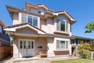 Photo 1: 3375 E 29 Street in Vancouver: Renfrew Heights House for sale (Vancouver East)  : MLS®# R2271875