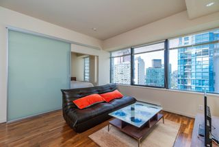 "Photo 11: 1215 1333 W GEORGIA Street in Vancouver: Coal Harbour Condo for sale in ""THE QUBE"" (Vancouver West)  : MLS®# R2401153"