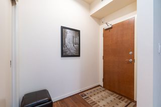 """Photo 3: 1215 1333 W GEORGIA Street in Vancouver: Coal Harbour Condo for sale in """"THE QUBE"""" (Vancouver West)  : MLS®# R2401153"""