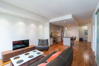 """Photo 12: 1215 1333 W GEORGIA Street in Vancouver: Coal Harbour Condo for sale in """"THE QUBE"""" (Vancouver West)  : MLS®# R2401153"""